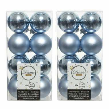 32x lichtblauwe kleine kerstballen 4 cm kunststof mat/glans