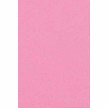 Licht roze papieren tafelkleed 137 x 274 cm