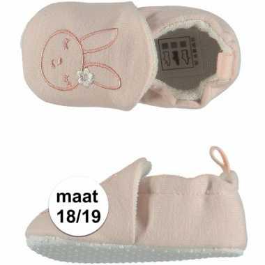 Lichtroze babyslofjes met konijntje maat 18/19