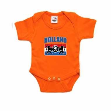Oranje romper holland met een nederlands wapen voor supporter babys