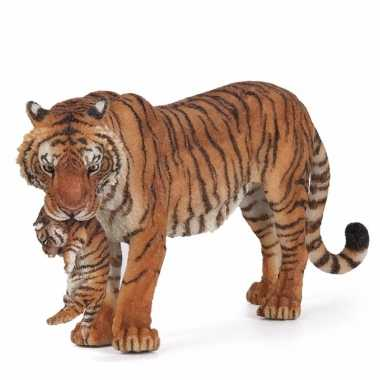 Plastic tijgerin met welpje 14,5 cm