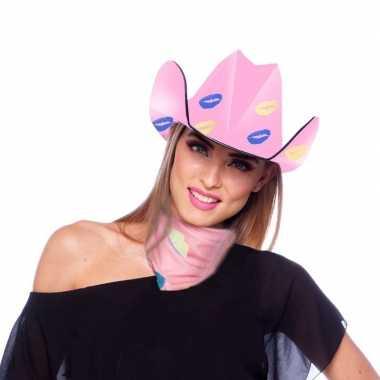 Roze kartonnen cowboyhoed met lippen kusjes voor dames