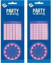 48x stuks roze witte taartkaarsjes met houders
