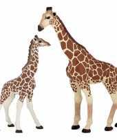 Plastic speelgoed dieren figuur giraffe 19 cm met baby van 9 cm